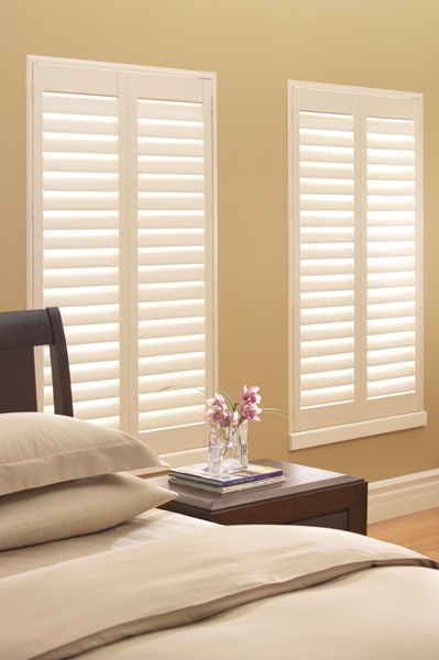 Call Blind Magic for top quality vinyl shutters for the bedroom in North Highlands, CA
